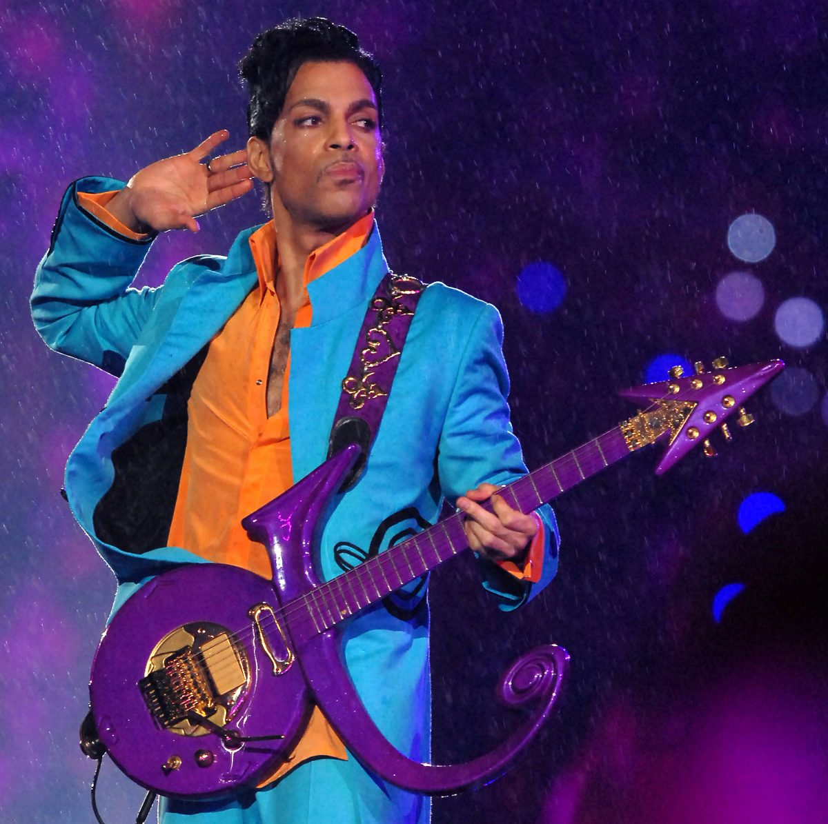 Photo of Prince Played Guitar on This No. 1 Strike Madonna Track